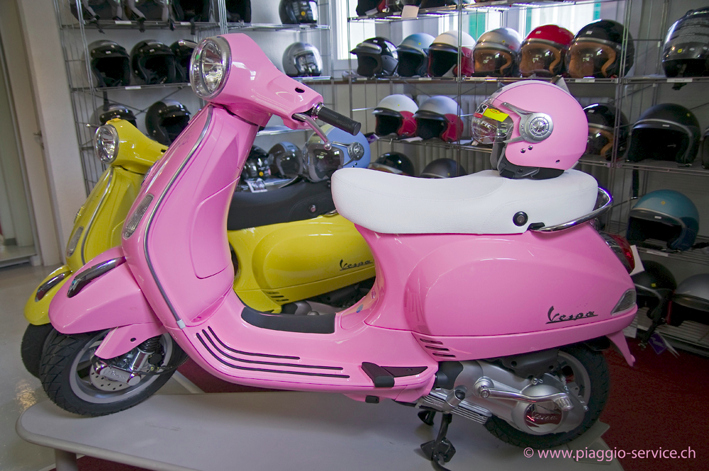 1000 images about vespa on pinterest in italia vintage vespa and silver blonde. Black Bedroom Furniture Sets. Home Design Ideas